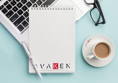 Torby na zakupy, notesy i długopisy reklamowe z logo. Wybieramy najlepsze firmowe gadżety.